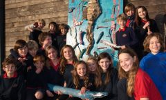 llynderw school group for sculpture by the sea photo P Holden